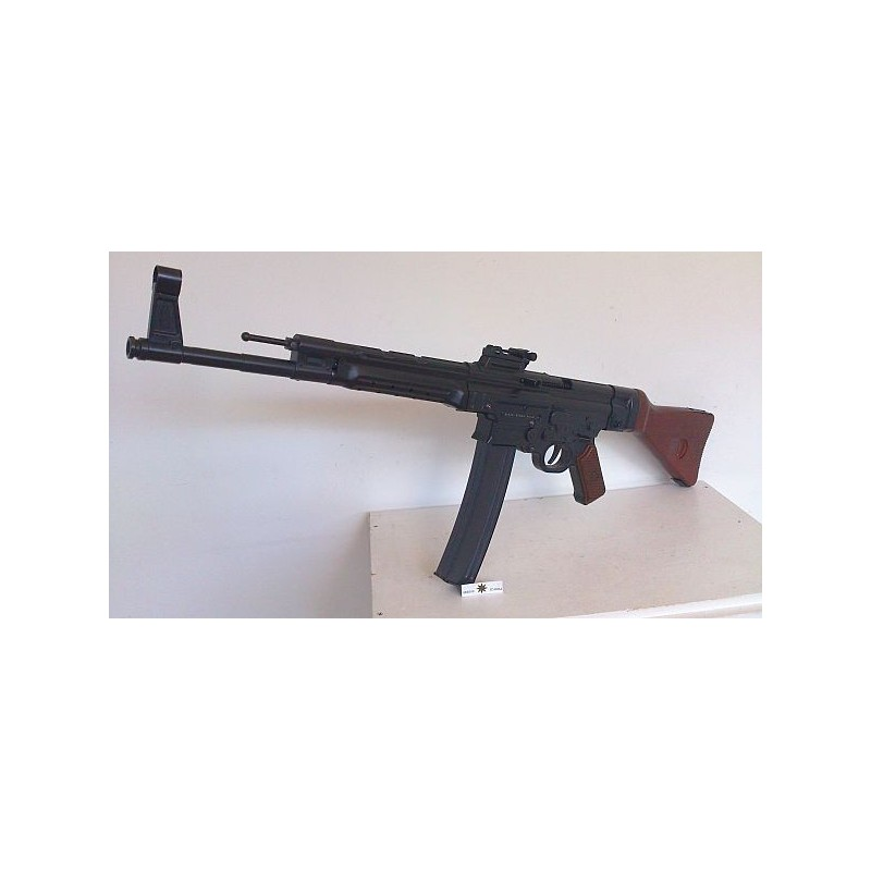 StG-44,GSG,9 MM PAK